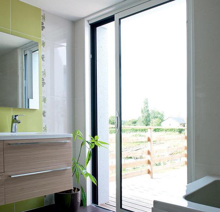 baie coulissante galandage en aluminium bicoloration. Black Bedroom Furniture Sets. Home Design Ideas