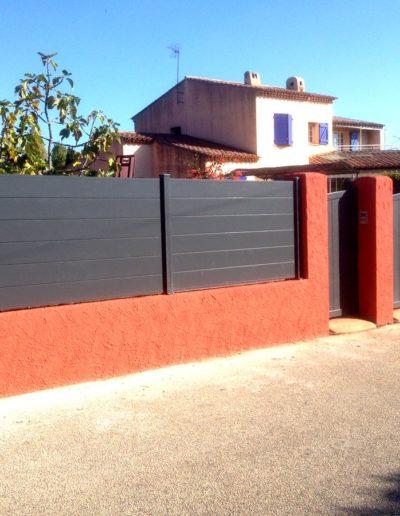 Portail et clôture aluminium assorti gris anthracite